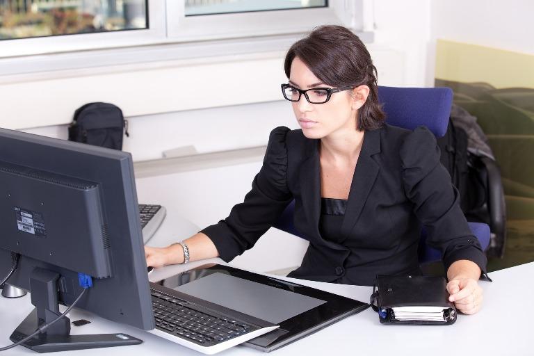 Pourquoi engager une secrétaire à distance