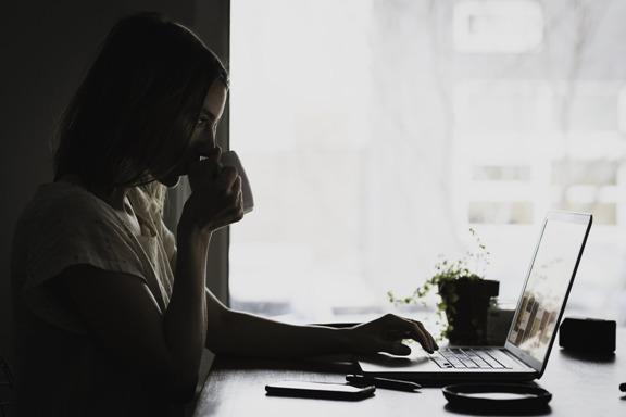 recruter un assistant comptable en ligne