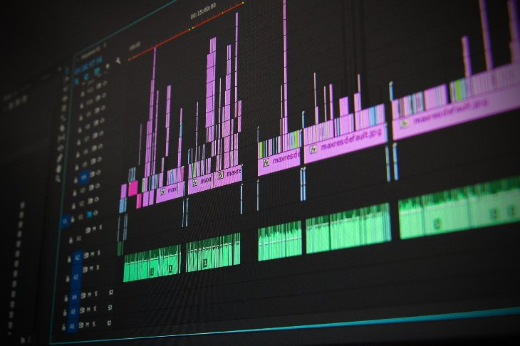 comment trouver et engager un monteur vidéo en ligne ?