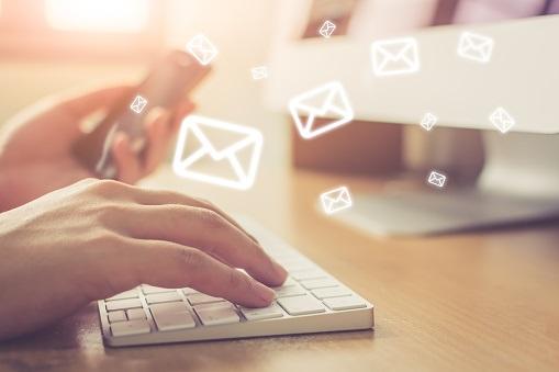 Recherchez l'adresse e-mail sur les moteurs de recherches comme Google